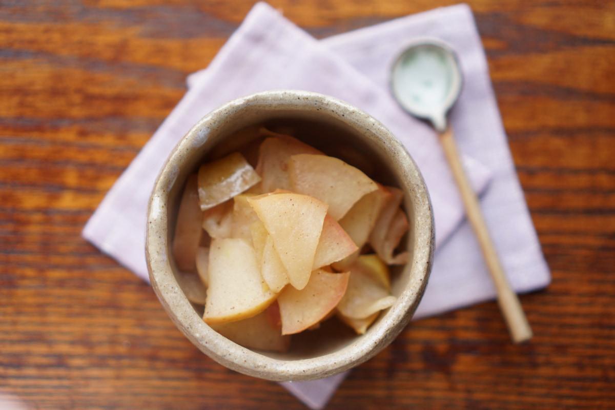 アレンジ自在!シュガーフリー「りんごの蒸し煮」かんたんレシピ